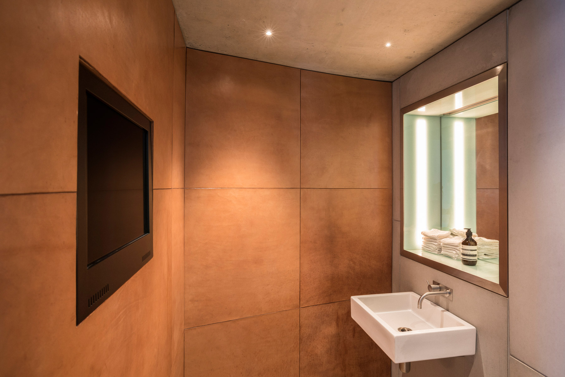 The bathroom, fitted with oak bark; a traditional English tannage.